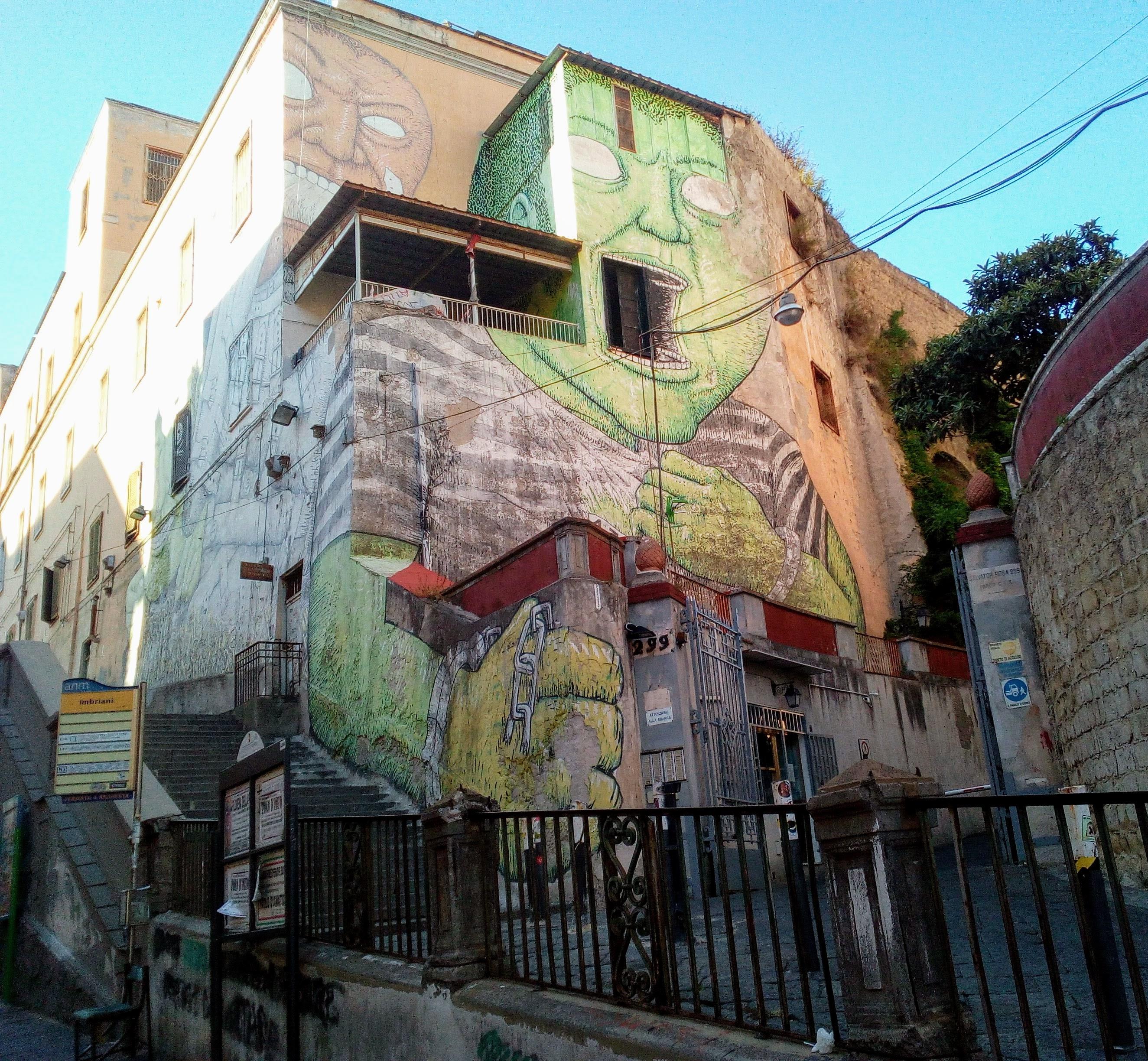 Il Gigante Verde di via Imbriani rischia la morte