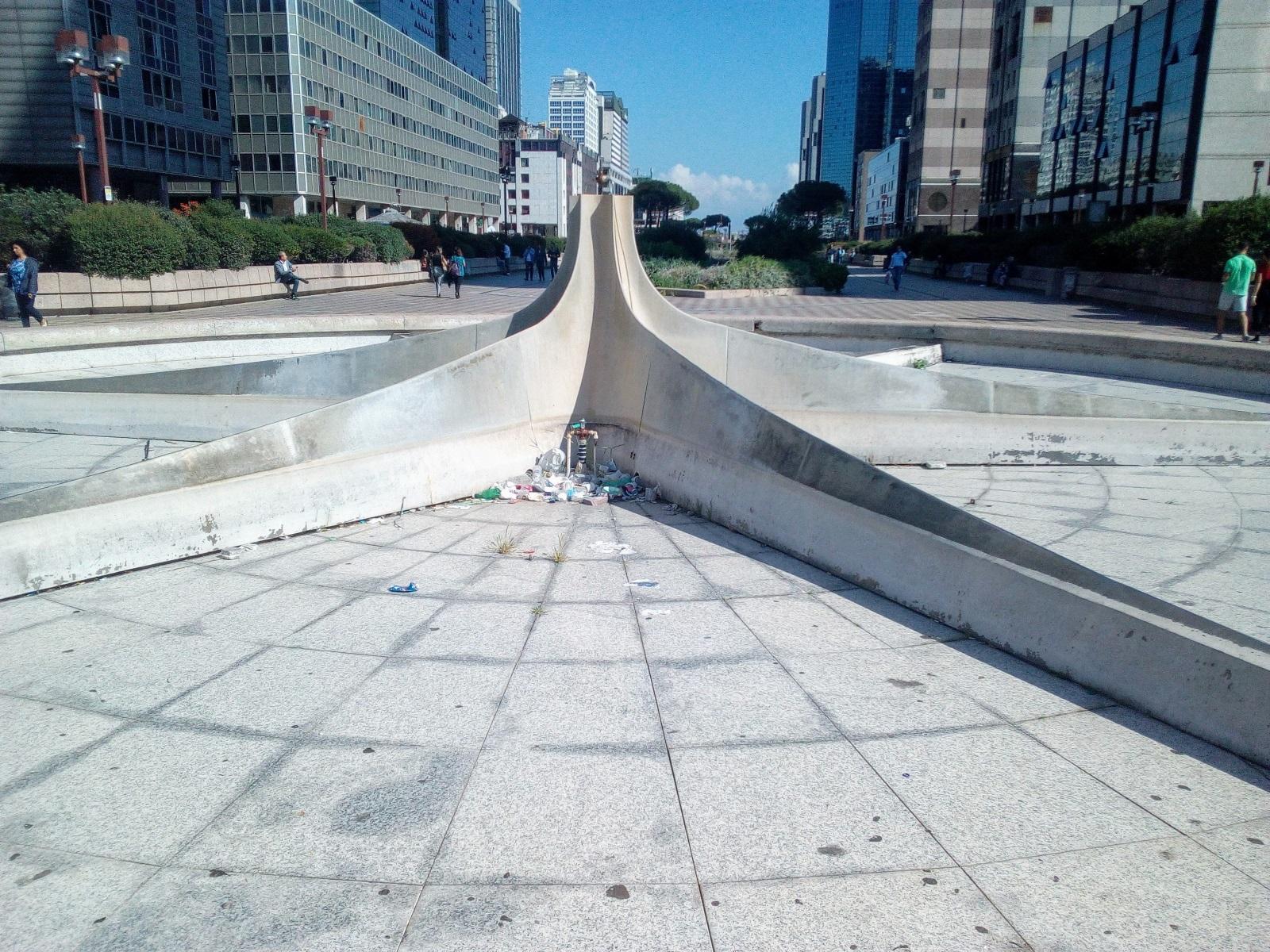 Fontana malata al Centro Direzionale di Napoli: 4 anni dopo