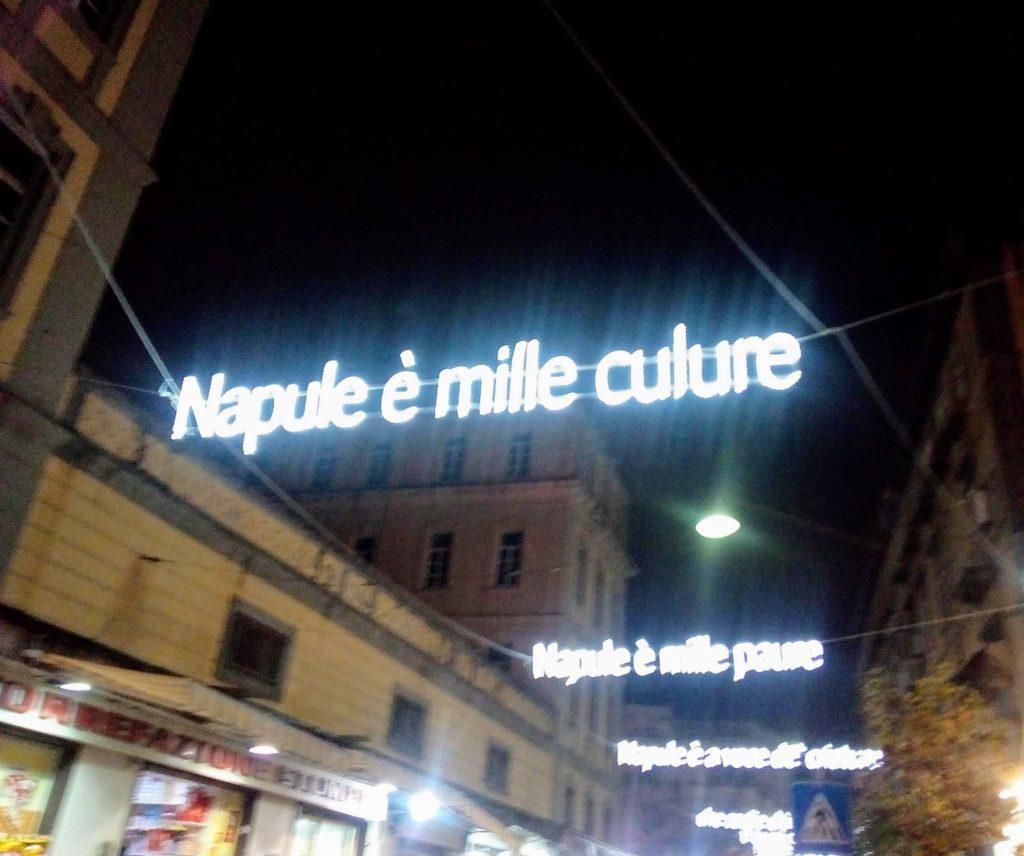 Le parole di Napule è illuminano le strade della Sanità