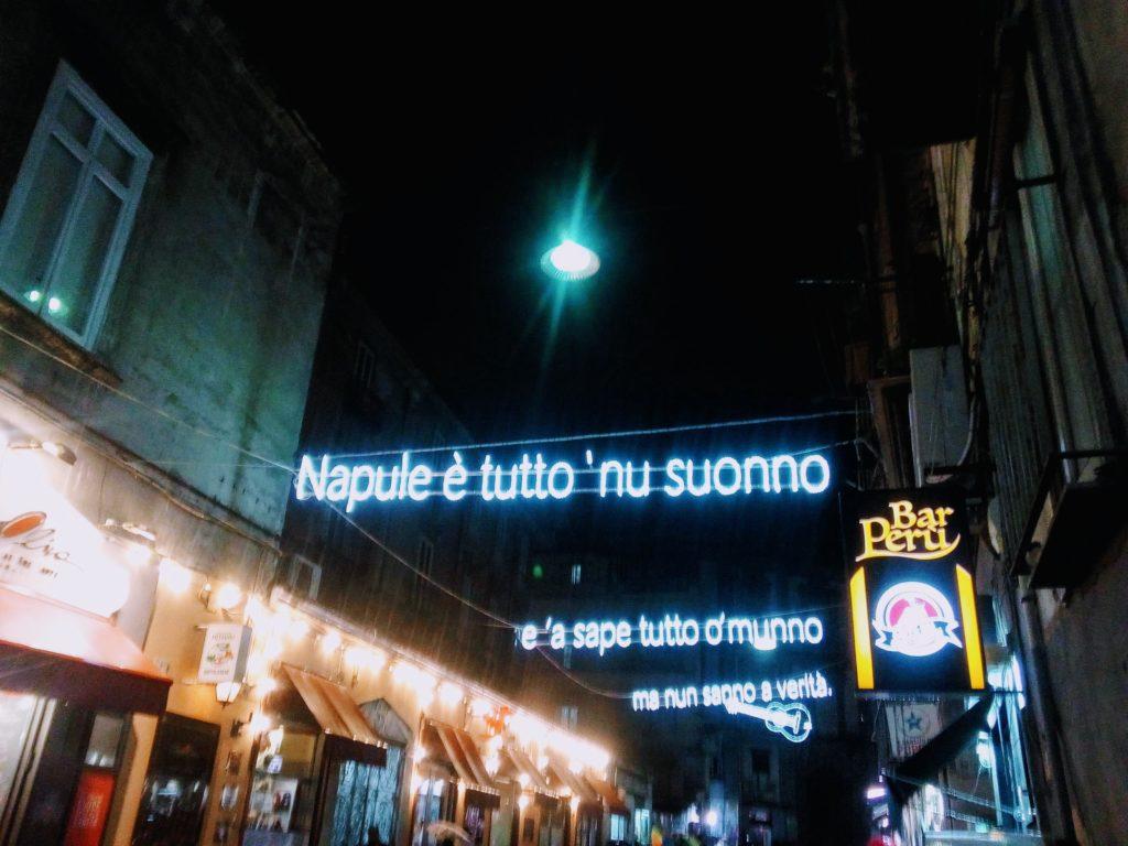 Le parole di Pino Daniele illuminano la Sanità