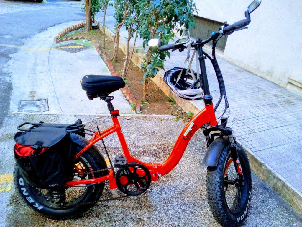 Il carro armato rosso a due ruote: la mia e-bike super-accessoriata