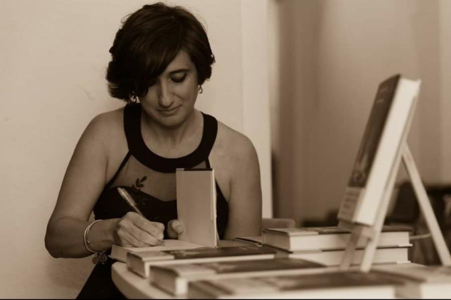Intervista esclusiva a Rosa Ventrella, autrice de La malalegna e Storia di una famiglia perbene
