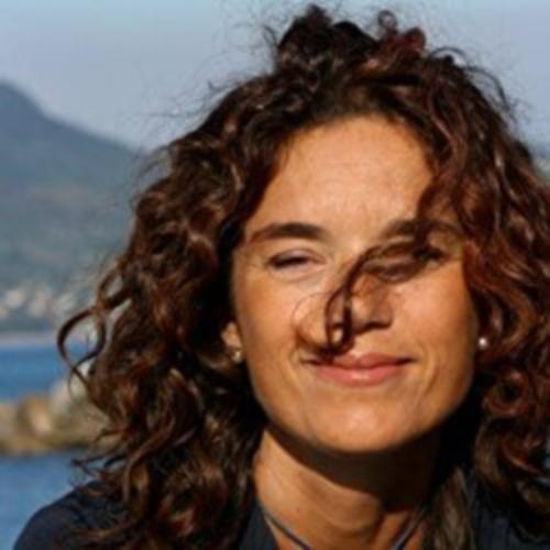 Valeria Corciolani, l'autrice del giallo La mossa della cernia