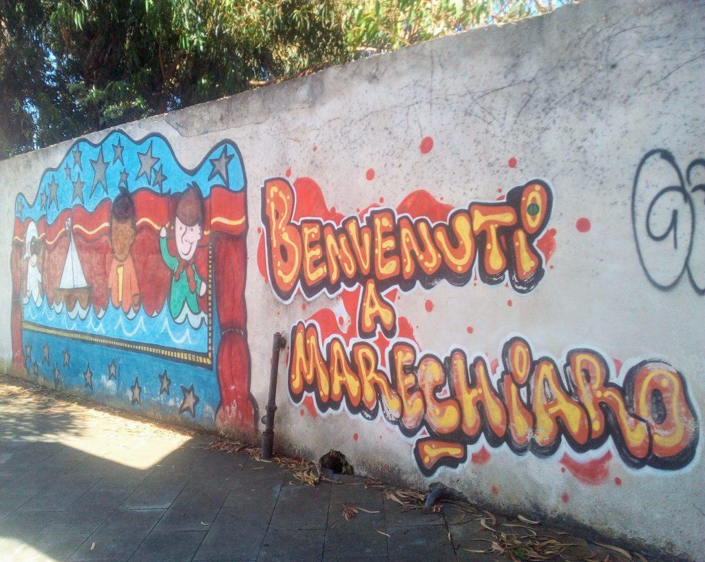 Il murales di benvenuto a Marechiaro