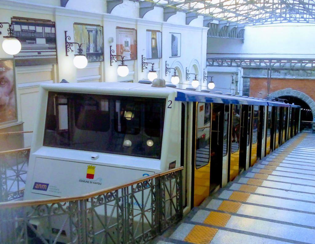 La funicolare centrale di Napoli, stazione Vomero