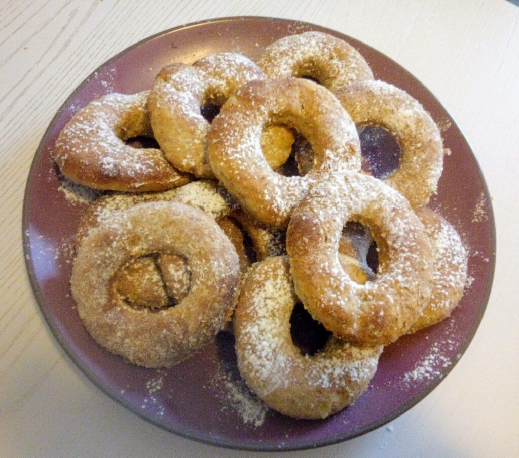 Le ciambelle al forno preparate dal sottoscritto con una video-ricetta di RossDolceMania, il canale YouTube di Rosalba D'Amodio