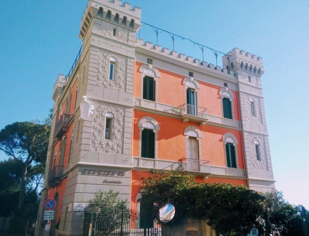 Villa La Santarella, la villa di Eduardo Scarpetta con la celebre frase Qui rido io