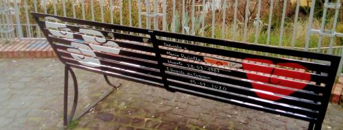 Panchine poetiche, grazie da un cittadino comune [FOTO]